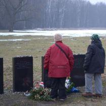 25 février 2013. Clairette et Micheline Lewkowitz. Bunker II - Birkenau.