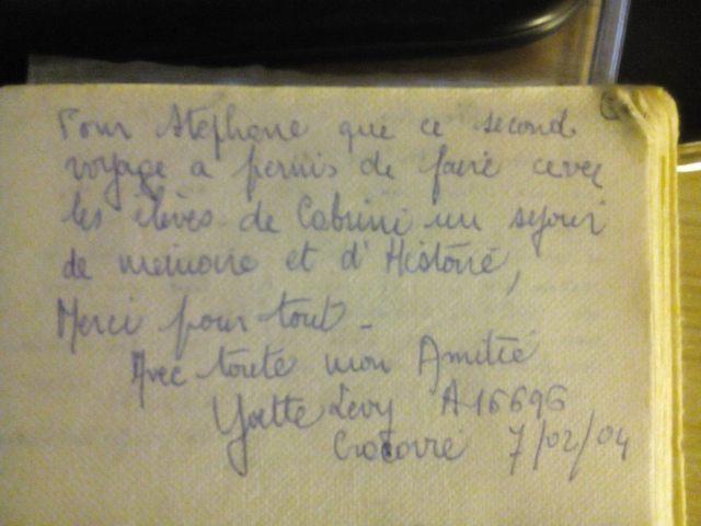 Extrait de mon Journal 2003-2005. Message d'Yvette Levy inscrit sur mon journal le 4 avril 2004 dans l'avion entre Cracovie et Paris lors de mon premier projet avec mes élèves du lycée Françoise Cabrini de Noisy-le-Grand (93).