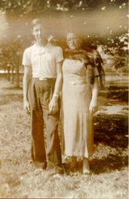 (ill.3) Charles et sa maman Bella. [Source : Dominique Natanson http://d-d.natanson.pagesperso-orange.fr/index.html]