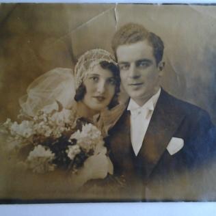 Rachel et Henri Katz le jour de leur mariage en 1932 [(D.R.) Archives privées - famille Katz].
