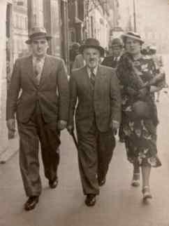 ESZENBAUM Israel à gauche avec son Père et sa femme Perla