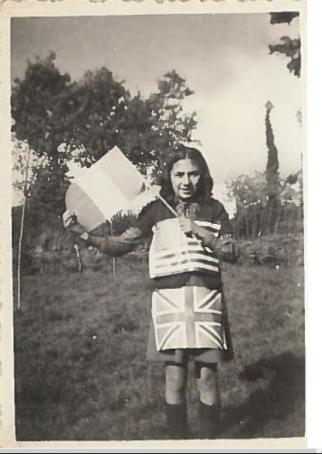 Pauline Contenté lors de la Libération dans la Creuse, été 44, photographiée par son frère Jean Contenté [Collection particulière].