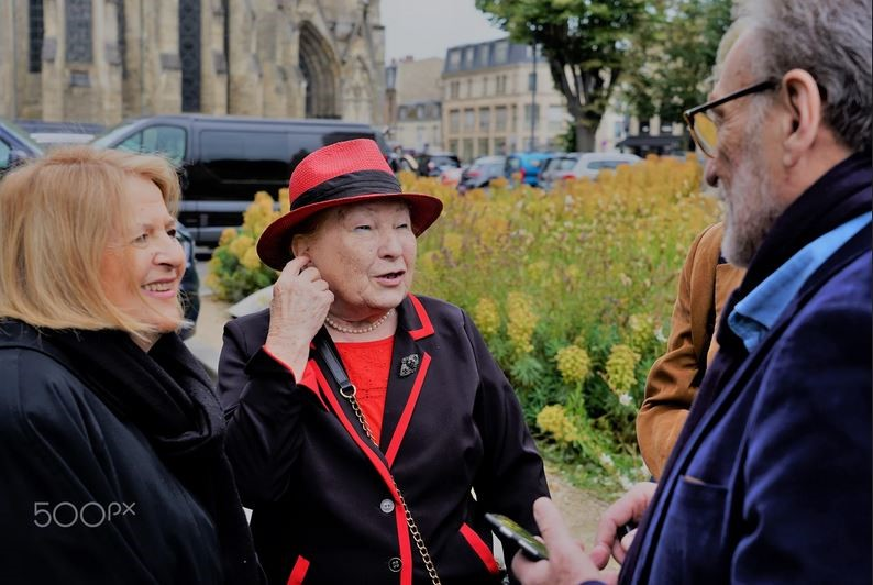Jean-Claude Liwer et son épouse en pleine discussion avec la cousine Lisette